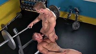 Muscly Hunk Anally Drilled In The Gym