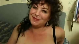 Chunky British Milf Gets Facial During Anal!
