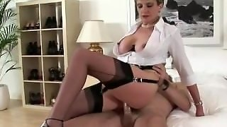 Horny Mature Brit Slut Gets A Cumshot
