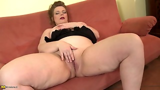 Big Belly Mature Plumper Plays With Her Tight Cunt