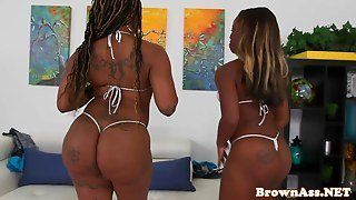Stripping Bigass Ebony Babes In Pov Threeway