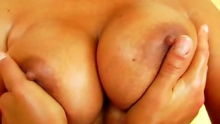 A Very Hot Milf Is Giving Out A Wild Solo