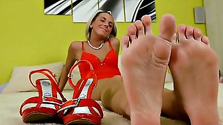 Heel And Shoe Sniffing Compilation