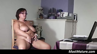 Chubby Mature Housewife Fingering
