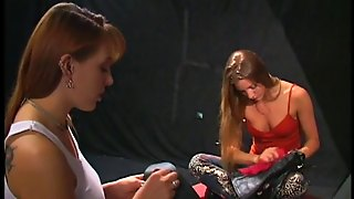Aurora Snow And Roxanne Hall Lick And Finger Each Other's Vags