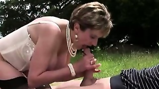 Lady Sonia Cumswallows After Bj