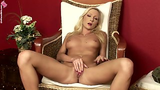 Amateur Sluttie Jordie In Hot Masturbation And Nasty Pussy And Anal Fingering