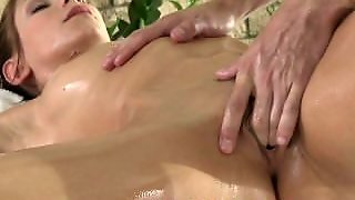 Massage Rooms Tight Young Girls Squirting With Orgasm Before Creampie