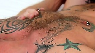 Troy Daniels Sucks His Buff Masseur's Cock And Then His Cock Is Sucked