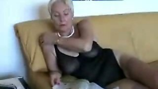 A Chubby Mature Bbw Masturbating In Her Black Lingerie