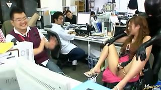 Saori Hara And Her Colleagues Masturbate In The Office After A Massive Layoff