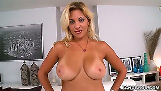Jazmin Is A Sexy Thick Milf With A Booty Thats More Then A Handful. She Pulled Up In The Parking-Lot Ready For Some Action Looking For Young Stud. Clearly This Milf Is Looking For Cock.