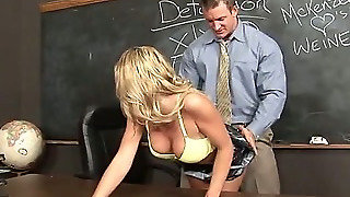 Student Teacher, Teacher Classroom, Cute Body, Skirt Without Panties, Cute Sexy, Taking Off Panties, S Kinny, In Her Panties