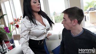 Simone Is A Cum Hungry Milf