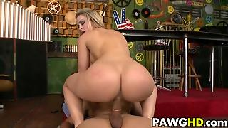 Blonde Pawg Alexis Texas
