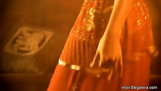 Seduction Dance By Indian Milf