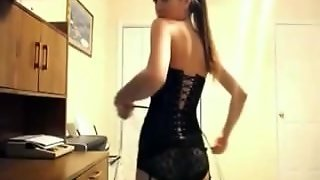 Big Tits Girl Takes Them Out On Webcam