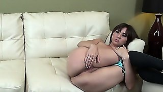 Scrummy Doxy In Black High-Heel Shoes Shay Laren Pats Her Beautiful Ass
