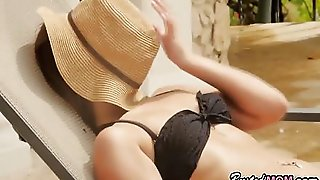 Italian Mom In Threesome With Daughter