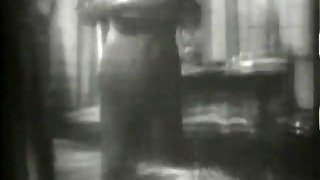 Sexy Babe Is Fucked In Her Pussy (1940S Vintage)