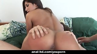 Big Tit Babes In Threesome