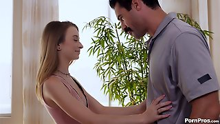 Cute Kenzi Kellie Offers Her Cunt To An Insatiable Lover