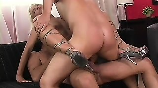 Magnificent Blonde With Huge Ass Makes All Her Wishes Come True