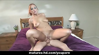 Babe Enjoys A Long Dig In Her Mature Pussy
