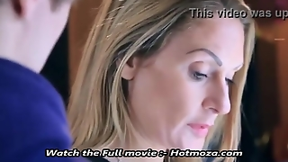 Real Moment Between Mother And (Not) Son Hd - Hotmoza.com