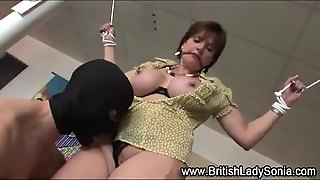 Lady Sonia Gets Fingered