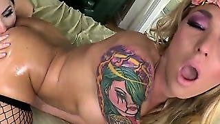 Shemale Aubrey Kate Fucks Tegan Mohr