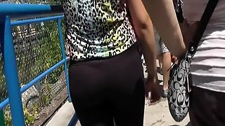 Whale Tail Teen In Leggings