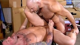 Monster Dicked Muscle Daddies Jesse Fuck In The Garage