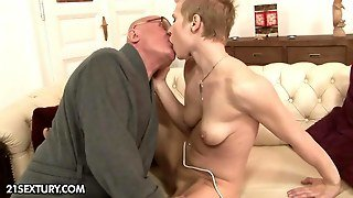 Sporty Teen Babe Fucking With A Old N Lucky Grandpa