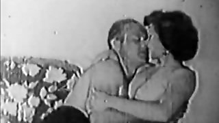 Sexy Couple Teasing And Kissing (1950S Vintage)