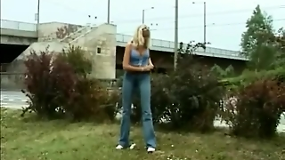 Sexy Outdoor Pissing