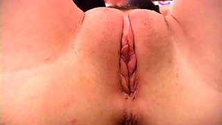 Anna Lynn Finger Her Pink Pussy In Close Up Video