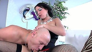 Muscular Bald Guy Christian Has Some Sucking Fun With Huge Beaver-Cleaver Of Newbie Shemale Danika Dreamz. Danika Seems Very Happy With Her New Appearance.