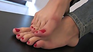Foot Fetish & Foot Model Lea