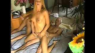 Milf Young, Erotic Mom, Young Vs Mom, Old Couple And Young, Mature Does Blowjob, They, Couples And Mom, Mom Milf Blowjob, Swinger Mature Couple, Mommy Young