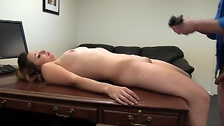 Beauty With Lovely Curves Gets Fucked On A Desk