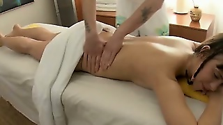 Teen Babe Gets Sensual Massage