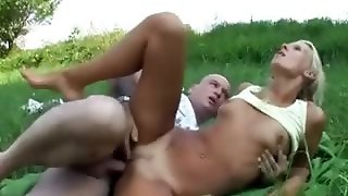 Anal In A Park
