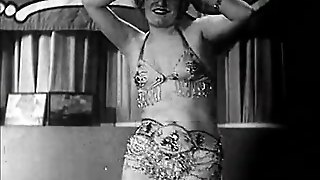 Fatima Tantalizes With Her Love Dance (1940S Vintage)
