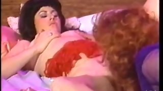 Hot Vintage Tranny And Girl
