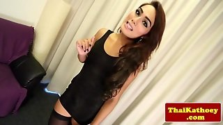 Gorgeous Thai Ladyboy Soloplaying