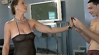 Very Horny Milf Demonstrates Her Very Hot Skills Of How To Satisfy A Cock Of A Young Dude