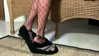 Hello Boys And Girls! Crazy And Sexy Brunette Chelsea French Looks Perfect When She Plays With Her Wet Pussy. This Babe Takes Her Favorite Dildo And Masturbates! Enjoy People!!!