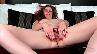 Curly Hair Milf Has Gorgeous Pubic Hair