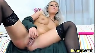 Blonde Babe Fingering And Fisting